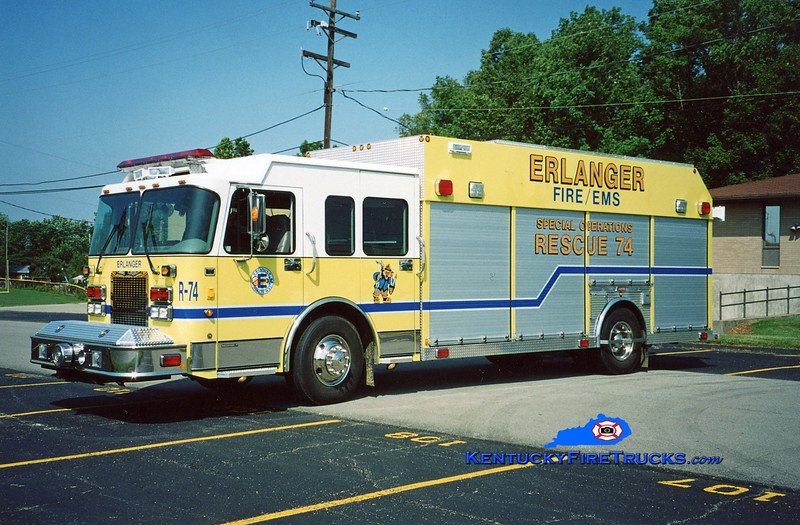 <center> Erlanger  Rescue 74 <br> 2003 Spartan Advantage/Summit  <br> Kent Parrish photo </center>