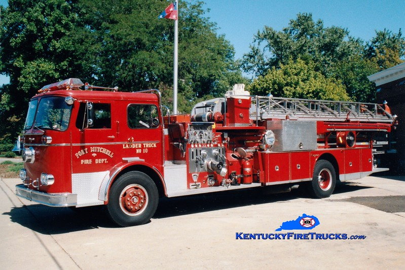 <center> RETIRED <br> Fort Mitchell  Truck 10 <br> 1964 Seagrave KAQ 1000/300/85' <br> Greg Stapleton photo </center>