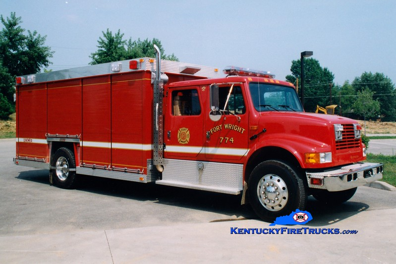 Fort Wright  Rescue 774<br /> 1992 International 4900/Summit<br /> Greg Stapleton photo