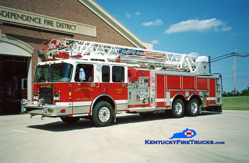<center> Independence Truck 460 <br> 2003 Spartan Gladiator/Smeal 1500/500/75' <br> Kent Parrish photo </center>