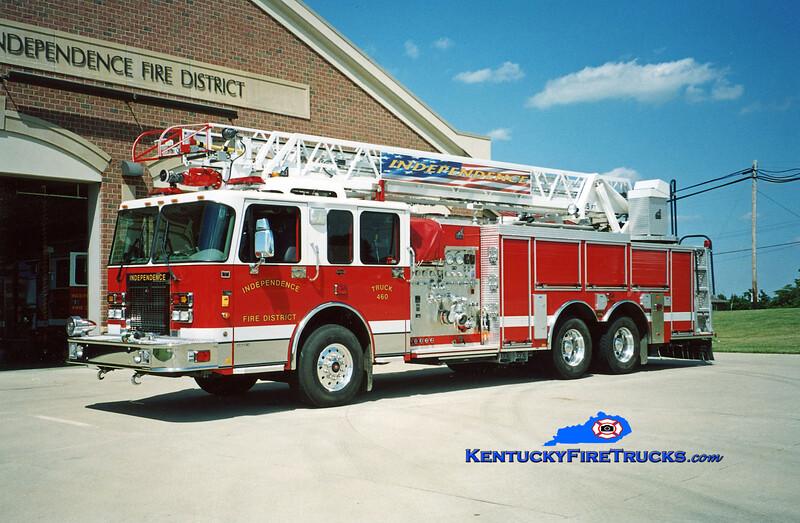 <center> Independence Truck 460 <br> 2003 Spartan Gladiator/Smeal 1500/500/75' <br> Kent Parrish photo </center>