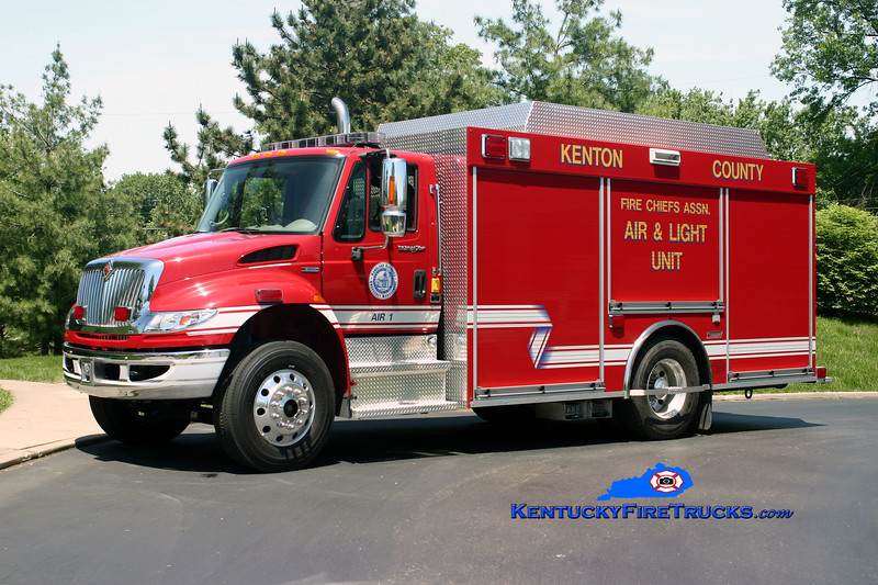 Kenton County Fire Chief's Association  Air 1<br /> 2008 International 4400/Summit<br /> Kent Parrish photo