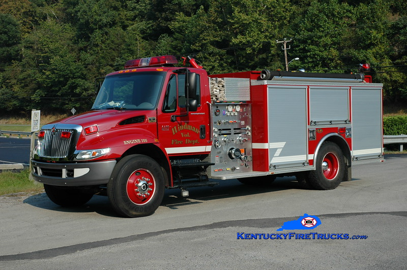 <center> Hindman Engine 105 <br> 2004 International 4400/KME 1250/1000 <br> Greg Stapleton photo </center>