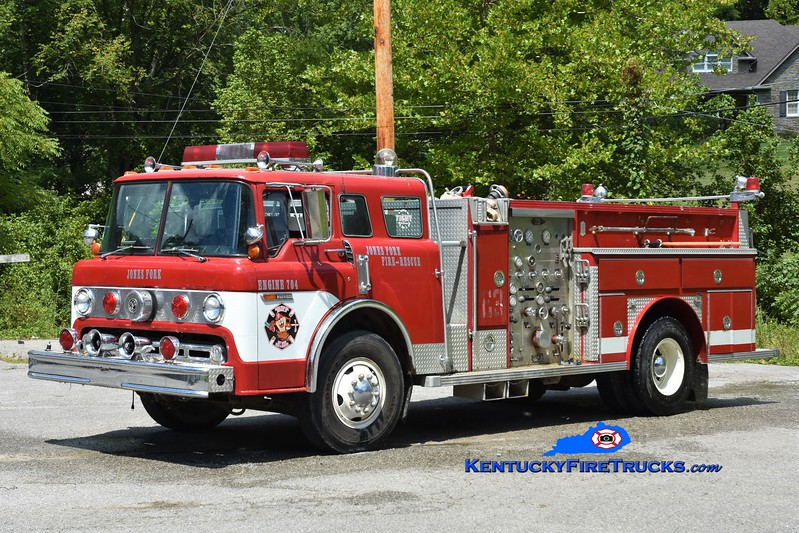 Jones Fork  Engine 704<br /> x-W.R. Castle, KY <br /> 1977 Ford C/E-One 1000/750<br /> Greg Stapleton photo