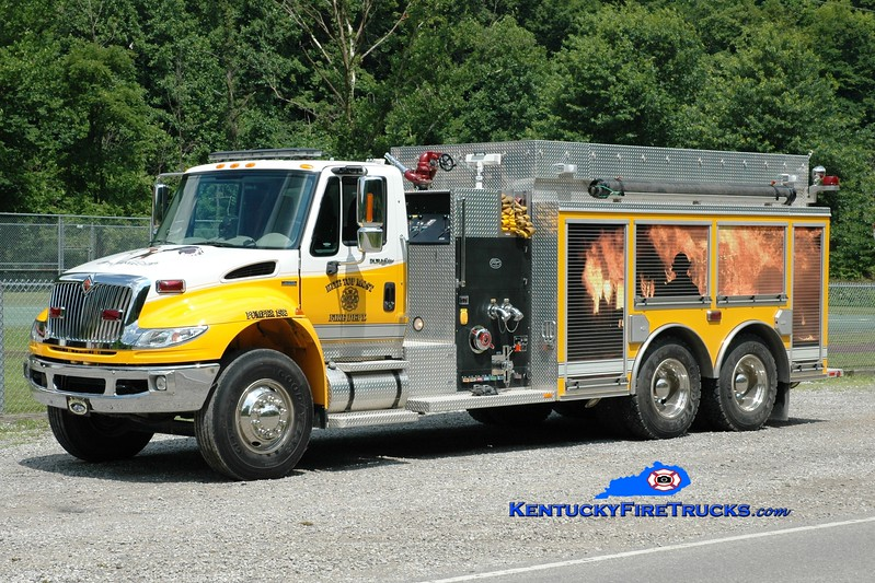<center> Kite-Topmost  Pumper 1502 <br> 2009 International 4400/Wynn 1250/2500 <br> Greg Stapleton photo </center>