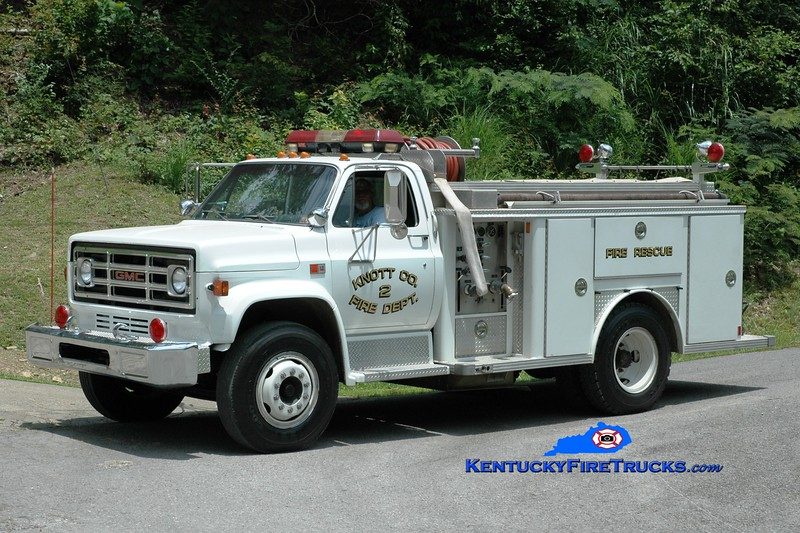 <center> Knott County  Engine 2 <br> 1981 GMC 7000/E-One 250/500 <br> Greg Stapleton photo </center>