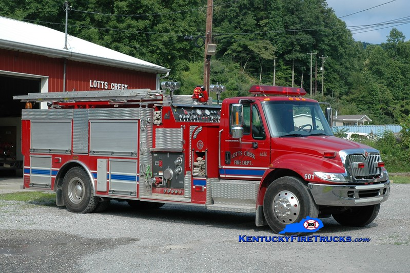 <center> Lotts Creek  Engine 601 <br> 2003 International 4400/Smeal 1250/1000 <br> Greg Stapleton photo </center>