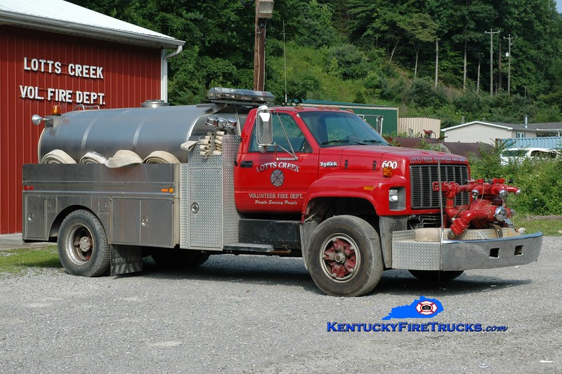 <center> Lotts Creek  Tanker 600 <br> 1994 GMC TopKick/Bluegrass 1000/1500 <br> Greg Stapleton photo </center>