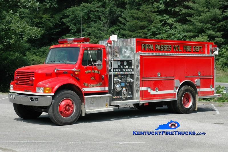 <center> Pippa Passes  Engine 1403 <br> 2001 International 4900/Central States 1250/1000 <br> Greg Stapleton photo </center>