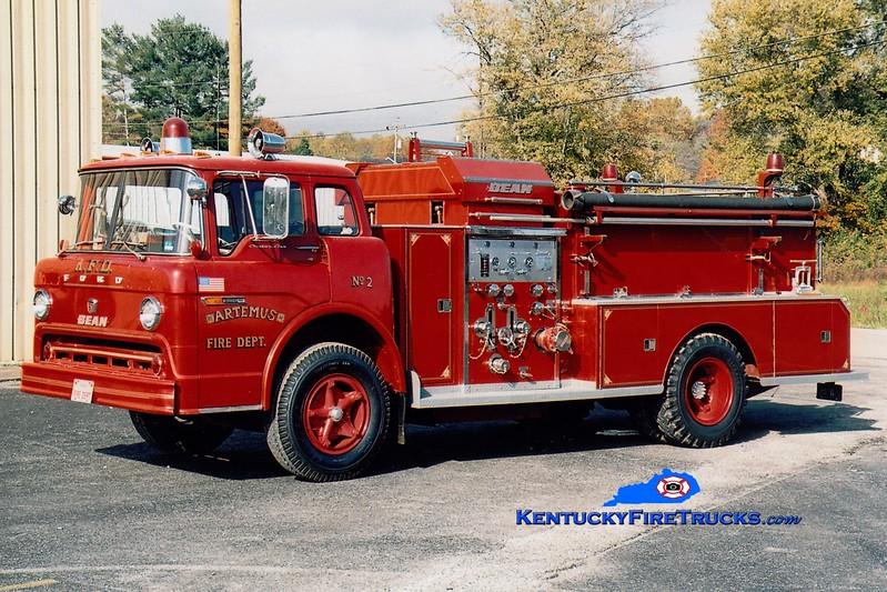<center> Artemus  Engine 2  <br> x-Barbourville, KY <br> 1972 Ford C/FMC-Bean 750/750 <br> Greg Stapleton photo </center>