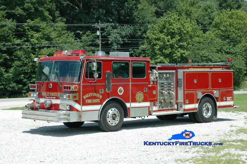 <center> RETIRED <br> Bailey Switch  Engine 1 <br> x-Richmond, KY <br> 1989 Sutphen Deluge 1500/750 <br> Greg Stapleton photo </center>