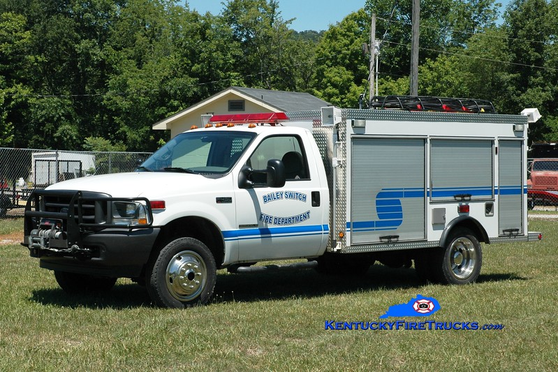 <center> RETIRED <br> Bailey Switch  Rescue 5 <br> x-Bluff City, TN <br> 2002 Ford F-450 4x4/Wynn /CET 250/300 <br> Greg Stapleton photo </center>