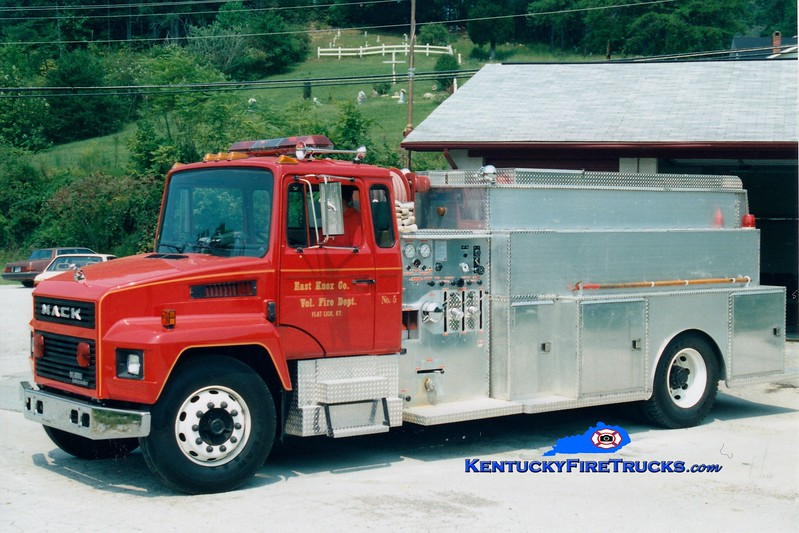 <center> East Knox  Engine 5  <br> 1991 Mack CS/Local 750/1200 <br> Greg Stapleton photo </center>
