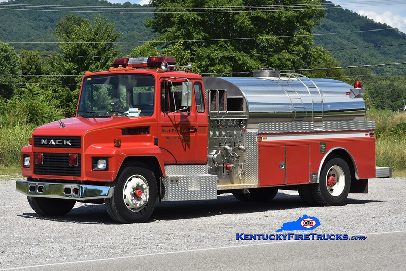 East Knox  Tanker 4<br /> 1988 Mack CS/4 Guys 750/1500<br /> Greg Stapleton photo