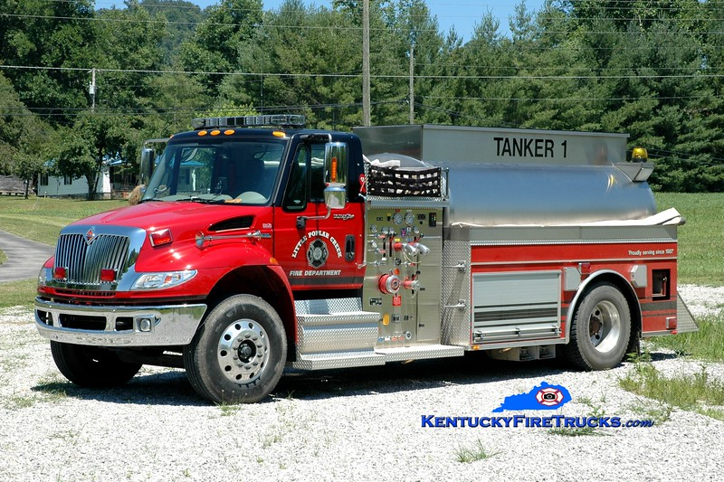 <center> Little Poplar Creek Tanker 1  <br> 2008 International 4400/Bluegrass  750/2000 <br> Greg Stapleton photo </center>