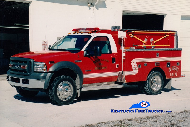 <center> Richland  Engine 1  <br> 2005 Ford F-550 4x4/Warner-Wynn 250/300 <br> Greg Stapleton photo </center>