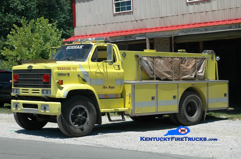 <center> Stinking Creek  Tanker 3 <br> x-Plano, KY <br> 1983 Chevy Kodiak/Wimpee's Welding 250/1800 <br> Greg Stapleton photo </center>