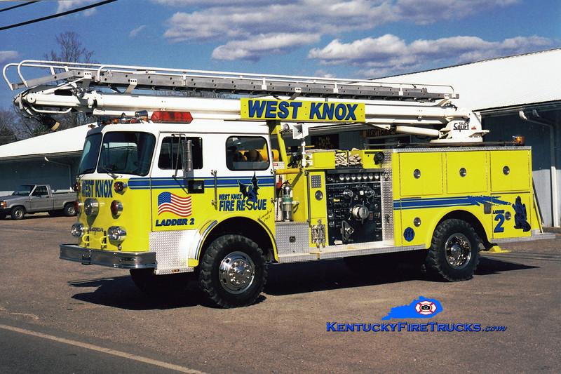 <center> RETIRED <br> West Knox  Ladder 2  <br> x-Bloomfield Hills, MI <br> 1974 Seagrave PC 4x4/Pierce/2003 Wynn 1250/500/50' Telesqurt  <br> Greg Stapleton photo </center>