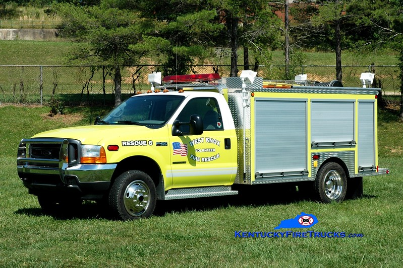 <center> West Knox  Rescue 6  <br> 2001 Ford F-450 4x4/Wynn CAFS <br> Greg Stapleton photo </center>