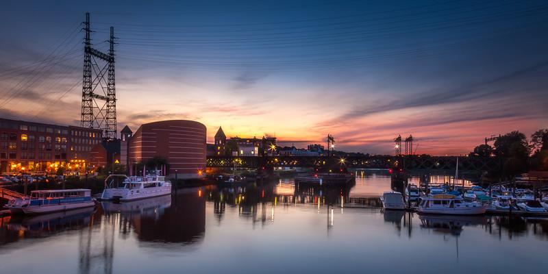 Sono Harbor and Maritime Aquarium