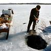 Vihtori Valle siianpyynnissä, Vätsäri 1990, Inari-Sikfiske, Enare- Fisherman