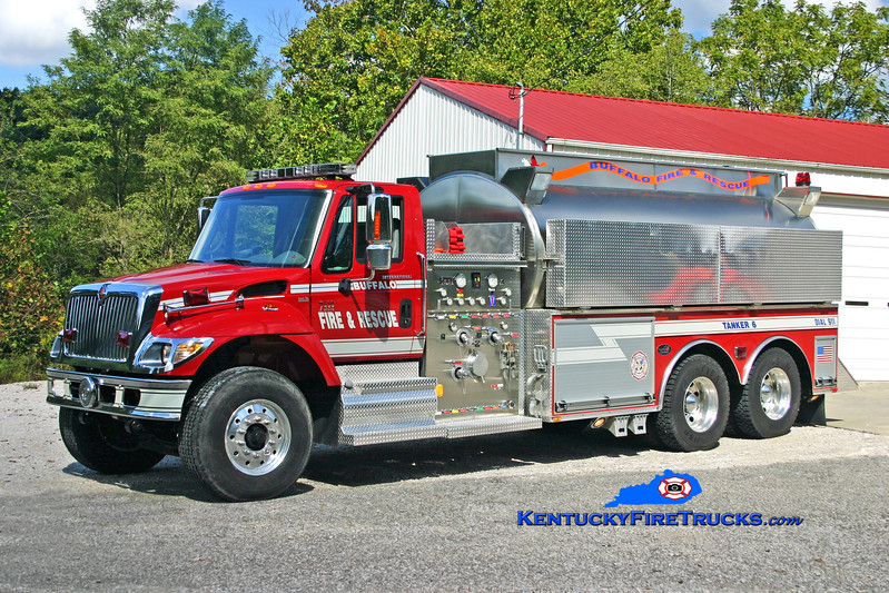 <center> Buffalo  Tanker 6 <br> 2006 International 7400/Bluegrass 1500/4000 <br> Kent Parrish photo </center>