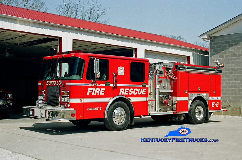 <center> Buffalo  Engine 6 <br> 2000 Spartan Advantage/E-One 1250/1000 <br> Kent Parrish photo </center>
