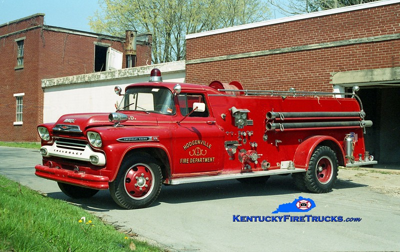<center> Hodgenville  Parade Engine <br> 1958 Chevy C60/Howe 500/500 <br> Kent Parrish photo </center>