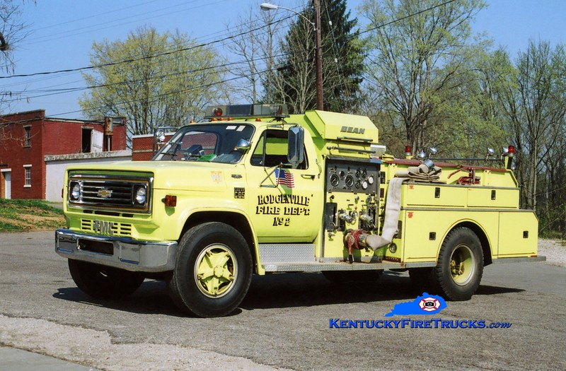 <center> RETIRED <br> Hodgenville  Engine 2 <br> 1977 Chevy C65/FMC-Bean 750/500 <br> Kent Parrish photo </center>