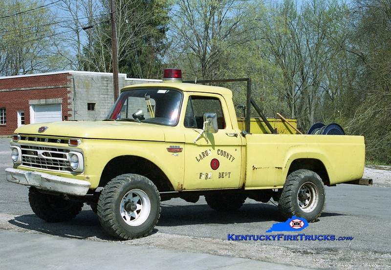 <center> Larue County Brush 3 <br> 1966 Ford F-150 4x4 250/250 <br> Kent Parrish photo </center>