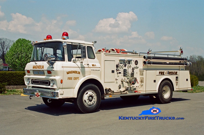 <center> RETIRED <br> Magnolia Engine 1 <br> 1972 Chevy/American 750/750  <br> Kent Parrish photo </center>