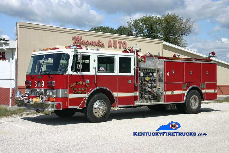 <center> Magnolia Engine 39 <br> x-Camp Taylor, KY <br> 1978 Duplex/Grumman-Oren/1988 Pierce Arrow 1250/750 <br> Kent Parrish photo </center>