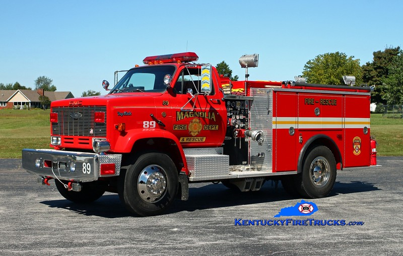 <center> RETIRED <br> Magnolia  Rescue 89 <br> x-Jefferson R7, MO & Camp Taylor, KY <br> 1988 GMC Topkick/Pierce 400/400/40 <br> Kent Parrish photo </center>