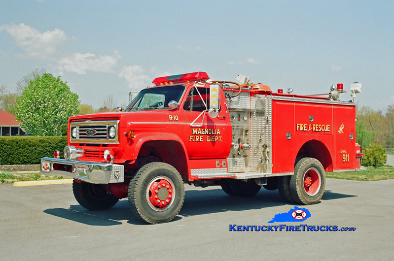 <center> RETIRED <br> Magnolia Rescue 10 <br> x-Highview, KY <br> 1981 Chevy C60 4x4/Pierce 300/300 <br> Kent Parrish photo </center>