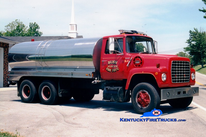 <center> RETIRED <br> Bush  Tanker 4 <br> 1981 Ford L/Local 350/3200 <br> Greg Stapleton photo </center>