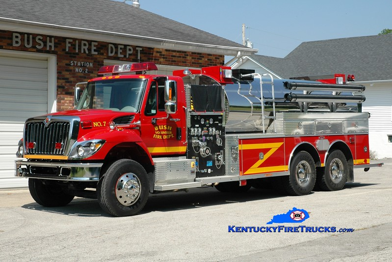 <center> Bush  Tanker 7 <br> 2010 International 7400/Rosenbauer-Central 750/3000 <br> Greg Stapleton photo </center>