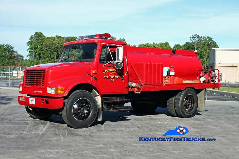 <center> RETIRED <br> Campground  Tanker 4 <br> 1992 International 4700/Local 250/1400 <br> Kent Parrish photo </center>