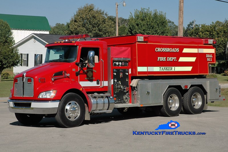 Crossroads  Tanker 1<br /> 2010 Kenworth T-370/Fouts Bros 500/3000<br /> Greg Stapleton photo