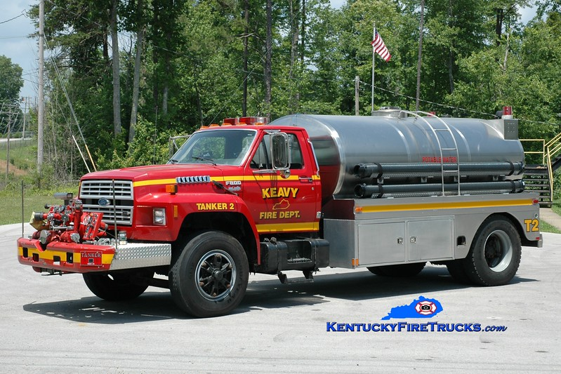 <center> RETIRED <br> Keavy Tanker 2 <br> 1991 Ford F-800/Bluegrass 750/2000 <br> Greg Stapleton photo </center>