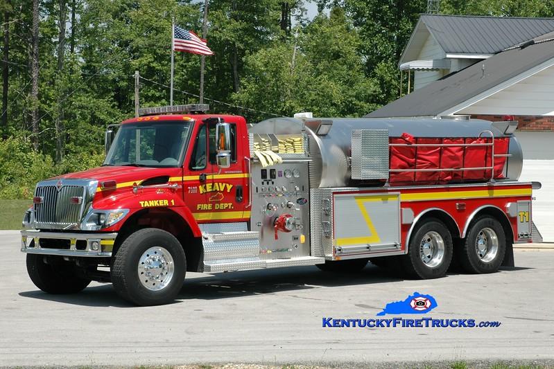 <center> Keavy Tanker 1 <br> 2007 International 7400/Bluegrass 1250/3500 <br> Greg Stapleton photo </center>