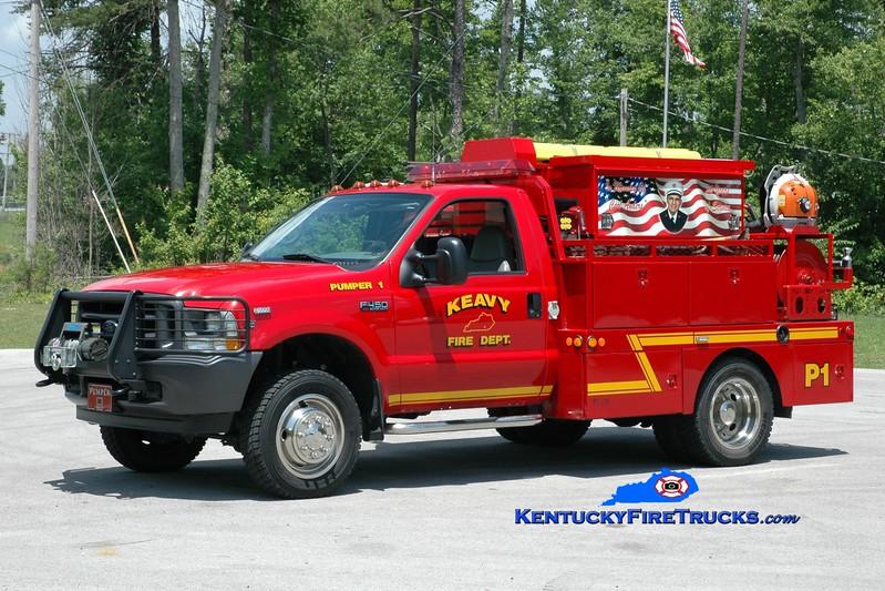 <center> Keavy Pumper 1 <br> 2002 Ford F-450/Local/Wynn 250/250 <br> Greg Stapleton photo </center>
