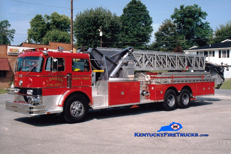 <center> NO LONGER IN SERVICE <br> London  Tower 1 <br> 1970 Duplex/Sutphen 1000/250/85' <br> Greg Stapleton photo </center>