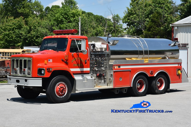 Swiss Colony  Tanker 8<br /> x-Fairview, PA <br /> 1992 International 2674/4 Guys 1000/3000<br /> Greg Stapleton photo