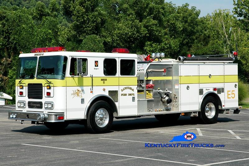 <center> Louisa  Engine 5  <br> 2002 Seagrave Marauder 1500/1000 <br> Greg Stapleton photo </center>