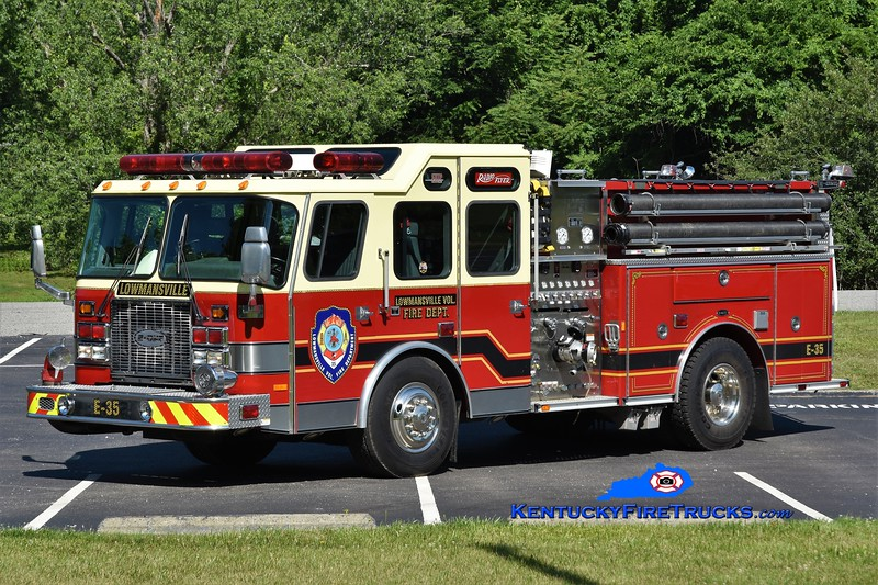Lowmansville Engine 35<br /> x-Shippensburg, PA<br /> 1999 E-One Cyclone II 1500/500<br /> Greg Stapleton photo