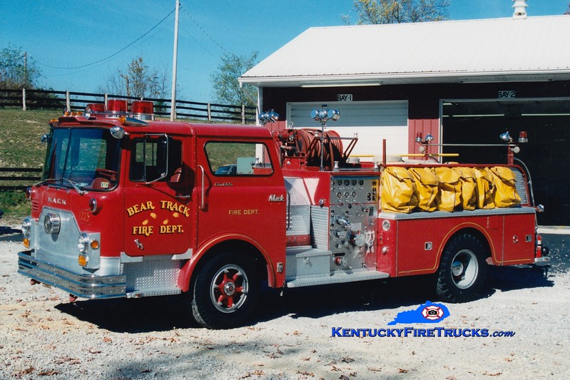 <center> RETIRED <br> Bear Track  Engine 715  <br> x-Marcus Hook, PA <br> 1972 Mack CF 1000/500  <br> Greg Stapleton photo </center>