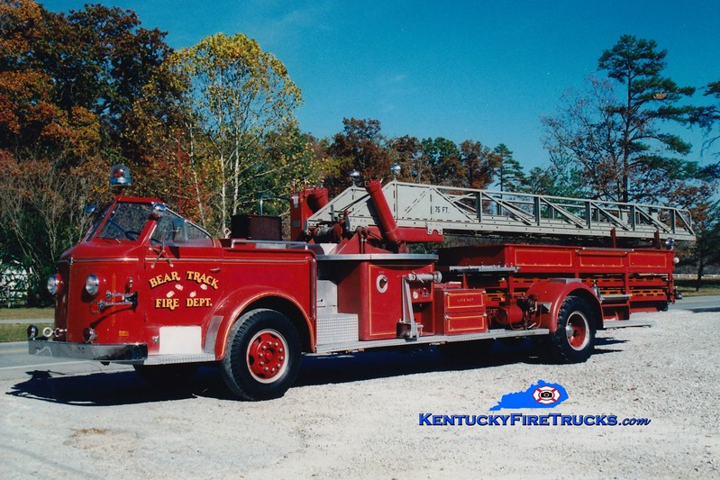 <center> RETIRED <br> Bear Track  Ladder 710  <br> x-Newark, DE <br> 1961 American LaFrance 700 Series 75'  <br> Greg Stapleton photo </center>