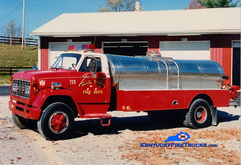 RETIRED <br /> Bear Track  Tanker 720<br /> 1972 GMC/Local 250/1850<br /> Greg Stapleton photo