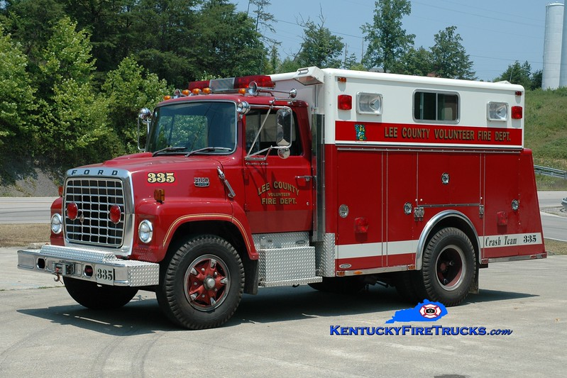 <center> RETIRED <br> Lee County  Rescue 335  <br> 1980 Ford L/Pierce <br> Greg Stapleton photo <br> </center>