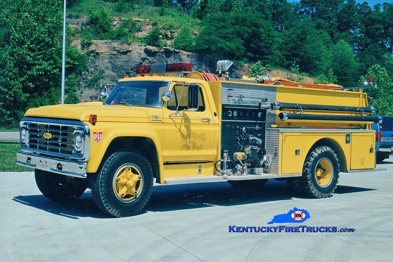 RETIRED <br /> Beattyville  Engine 300<br /> 1974 Ford F/Pierce 750/750<br /> Greg Stapleton photo